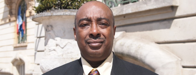 Une Nouvelle Voie (Juin 2015) : le PPAC envahit la Guinée profonde – pour acheter sa réélection