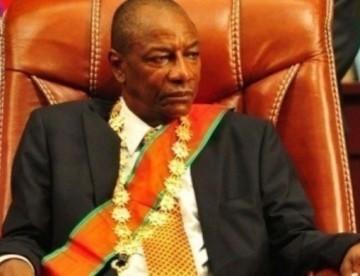 Révélation époustouflante : Alpha CONDE met en place une commission de réflexion supra-guinéenne sur son 3ème mandat ! (LeProjecteur Guinée )