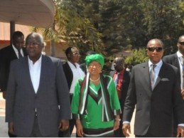 Sommet des chefs d'Etat de Guinée, Liberia et Sierra Leone pour préparer un financement post-Ebola