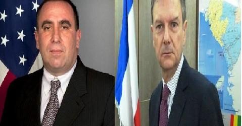 Aux excellences Messieurs Alexander Lascaris et Bertrand Cochery Ambassadeurs des Etats-Unis et de la France en Guinée,
