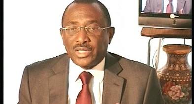 Il ne faut pas croire qu'il y a des radicaux à l'UFR qui amèneraient le Président Sidya Toure à adopter cette position contre la corruption en Guinée ! C'est juste un principe chez lui (Par PEPE Moriba).