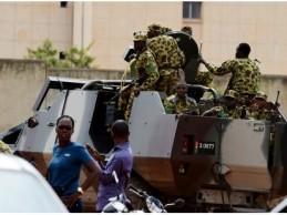 Burkina : la transition poursuit sa traque des putschistes