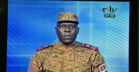 Burkina: les institutions «dissoutes» par un Comité militaire (militaires à la télévision publique)