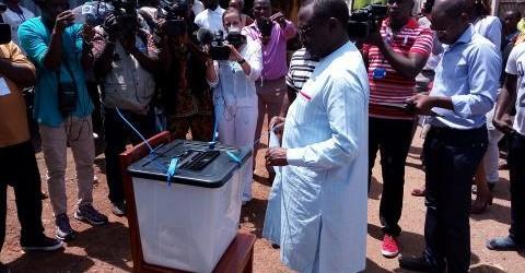 Guinée: Sidya Touré se dit «particulièment visé par la fraude» et se retire.