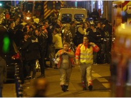 Urgent – Attaques à Paris : au moins 120 morts, huit terroristes tués