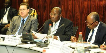 Les bailleurs de fonds annoncent 15,4 milliards de dollars pour la Côte d'Ivoire ( ici c'est pas la Guinée, on ne change pas la constitution on travaille )