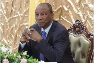 (VIDEO) Alpha Condé aurait demandé ce jeudi 2 août 2018 à Elhadj Sékhouna Tanènè et autres, d'adresser une lettre à la Cour constitutionnelle afin que cette dernière lui accorde 2 ans de plus au pouvoir  pour qu'il termine son travail (Par Souleymane Condé).