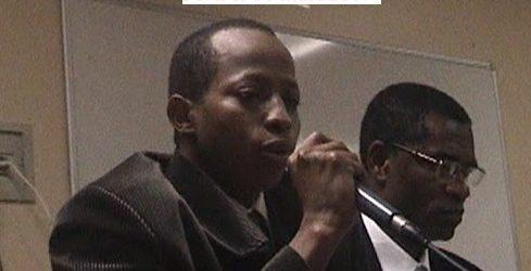 (VIDEO) Feu Adama Laafa Sow / Son intervention au colloque du 30 mars 2007 à paris suite aux massacres de janvier et février 2007 en Guinée