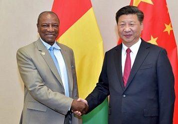 (VIDEO) Alpha Condé sous des lourdes accusations de Maimounatoulaye Conté des Etats Unis: le président guinéen recevrait mensuellement 18 millions de dollars des mains des chinois en catimini.