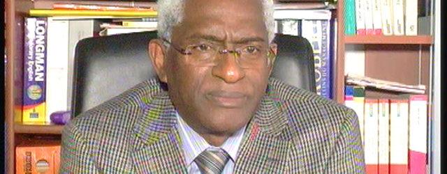 (VIDEO) Dr Abdoul Baldé accuse Alpha Condé de retarder les élections pour chercher un mandat cadeau après  avoir pillé la Guinée, recruté des mercenaires et acheté des armes contre les Guinéens.