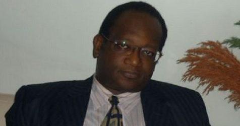 « ON NE CHANGE PAS UNE CONSTITUTION PARCE QUE CA NOUS PLAIT », Sidikiba Keita, fondateur du Front pour la Défense de l'Ordre Constitutionnel en Guinée, s'adresse au président Alpha Condé( Source: NewsGuinee )