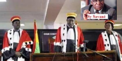 Cour Constitutionnelle / Renvoyer toute la Cour Constitutionnelle, et les remplacer par d'autres. A mes yeux, cette préconisation est étrange et suspecte.( Mamadou Billo Sy Savané )