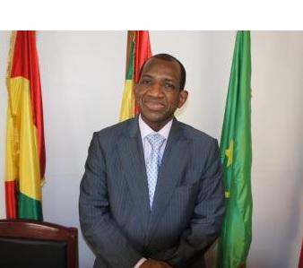 Conférence de presse de M. Kabiné KOMARA le 25 avril 2018 à Paris à l'occasion de la sortie de son ouvrage » L'EAU ENJEU VITAL DES RELATIONS INTERNATIONALES»
