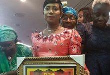 14ème Nuit de l'Excellence de la Femme Guinéenne : Fatoumata Binta Barry, membre du BE de l'UFR rafle le Prix du Meilleur Engagement Politique et Citoyen