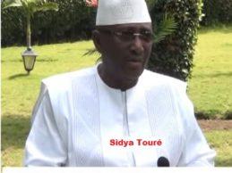 (VIDEO) Sidya Touré exprime sa colère contre l'attitude du RPG-AEC qui aurait manqué au respect de leur accord de désistement (Emission CAFE DEBAT).