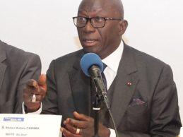 Le Club DLG / C'est dans une salle comble que Maitre Abdou KABELE CAMARA président du RGD a rencontré les Guinéens de France le samedi 8 décembre 2018 à Paris.