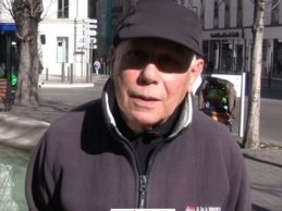 FRANCE / René NABA à la manifestation  contre le Franc CEFA  devant la banque de France à Marseille.