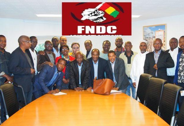 Communiqué: Les Forces vives-FNDC France demandent aux Guinéens de se rendre à l'ambassade de Guinée en France le lundi 14 octobre 2019 à 12h00.