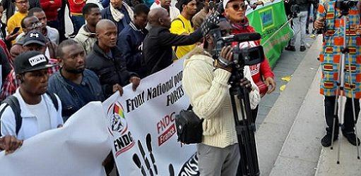FRANCE / La grande manifestation des Forces vives-FNDC France du 28 septembre 2019 à Paris contre le troisième mandat du président Alpha Condé.