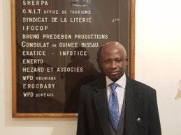 France / La traque des biens mal acquis a commencé. Makanera Ibrahima Sory, président du Collectif contre l'impunité en Guinée reçu par l'ONG « SHERPA » spécialiste de traque des biens mal acquis ( Par Mamadou Saliou Diallo).